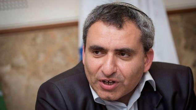 Ministro de Protección Ambiental Ze'ev Elkin, habla durante una conferencia de prensa en el Fondo Nacional Judío en Jerusalém el 27 de marzo de 2017. (Hadas Parush / Flash90)