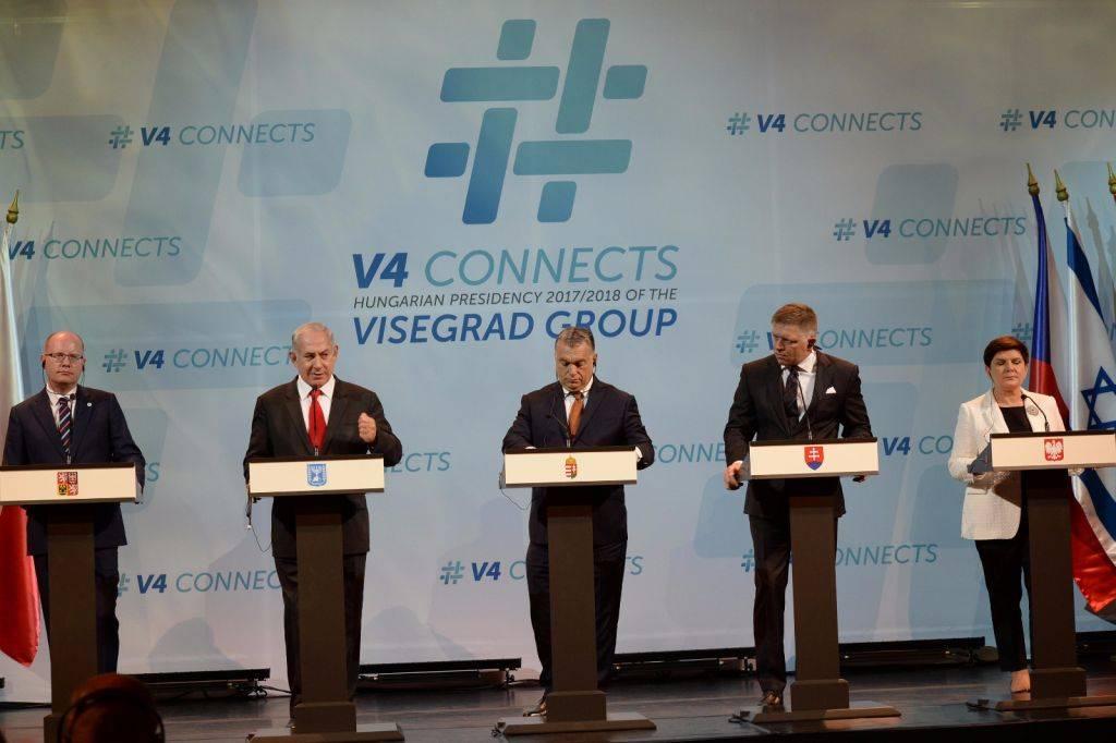 PM Netanyahu y los líderes del Grupo de Visegrad - Hungría, Eslovaquia, República Checa y Polonia - en Budapest, 19 de julio de 2017 (Haim Tzach / GPO)