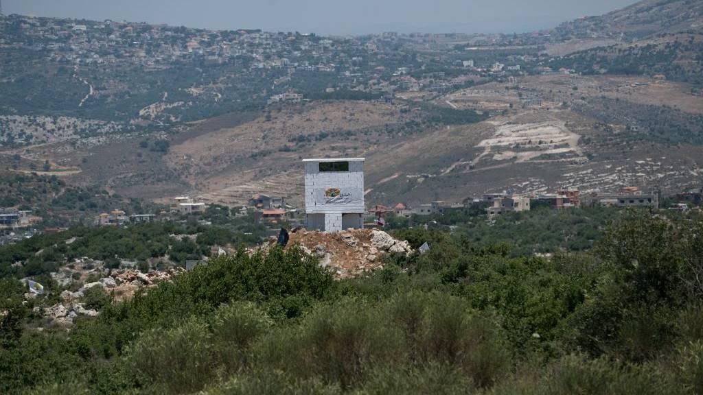 """Una instalación de la ONG agrícola libanesa """"Green Without Borders"""" que la FID acusa de servir como puesto de observación para Hezbolá en la frontera entre Israel y el Líbano, se dio a conocer el 22 de junio de 2017. (Unidad de Portavoz de la FID)"""