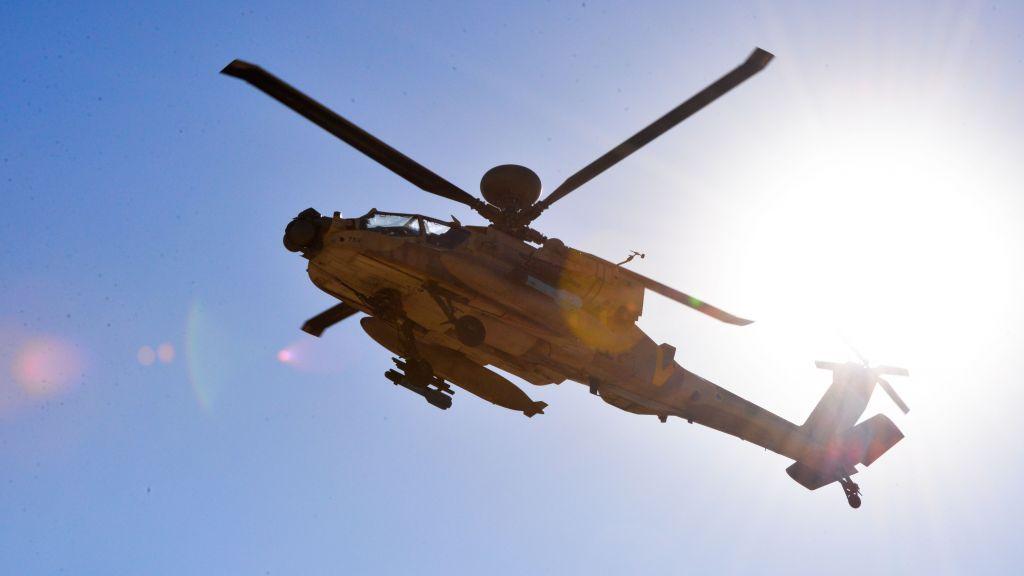 Un helicóptero Apache de la Fuerza Aérea Israelí (Hagar Amibar / Fuerza Aérea Israelí / Flickr)