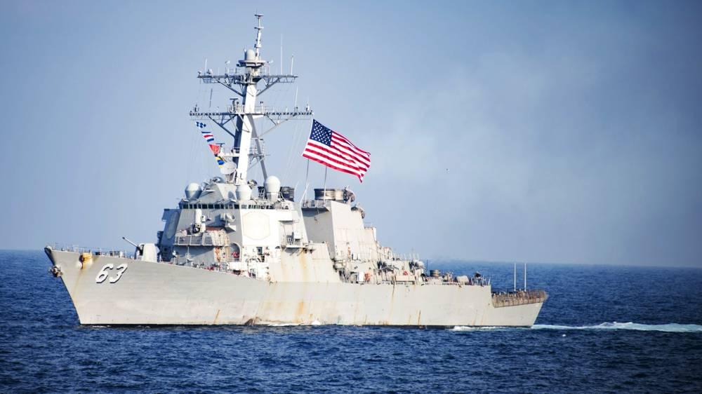 El destructor USS John Paul Jones, de la clase Arleigh Burke como el representado en la foto, derribó el proyectil con sus baterías de defensa Aegis (Reuters)
