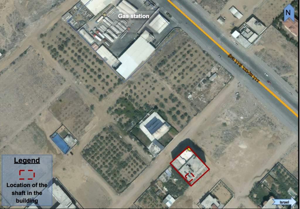 Una imagen de satélite proporcionada por las FDI que muestra la ubicación de un túnel de Hamas que fue excavado debajo de un edificio de apartamentos en el norte de Gaza. (Fuerzas de Defensa de Israel)
