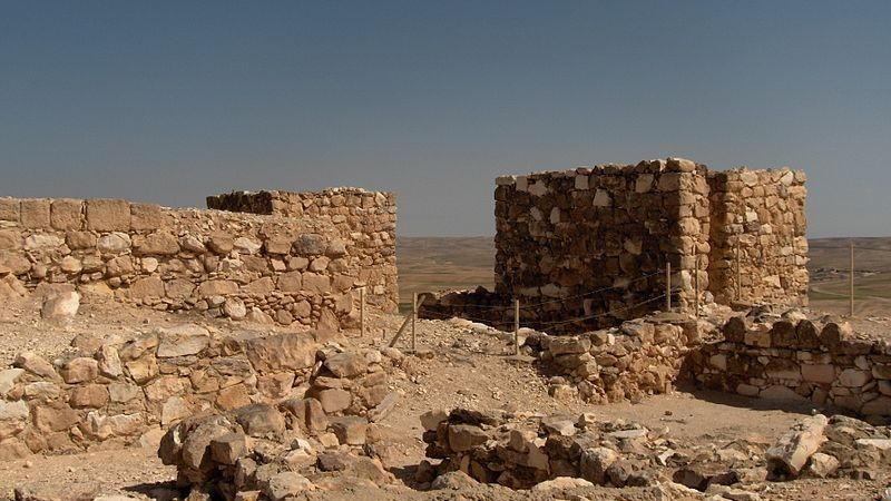 Las excavaciones en Tel Arad en el desierto de Negev, 16 de marzo de 2006. (CC BY-SA Wikimedia Commons)