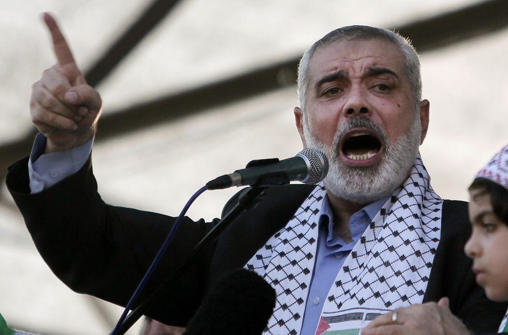 ARCHIVO - Miércoles, 27 de agosto 2014 foto de archivo, el líder de la organización terrorista islámica en Gaza, Ismail Haniyeh, da un discurso durante un mitin en la ciudad de Gaza. (AP Photo / Khalil Hamra, Archivo)