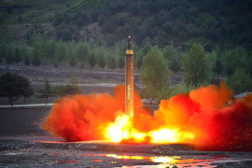 Si Pyongyang sigue adelante con su amenaza es probable que utilice los Hwasong-12, misiles balísticos de medio alcance que cuentan con la capacidad de atacar Guam (Reuters)