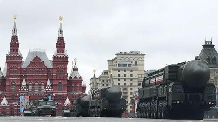 Misiles de este tipo desfilando por Moscú