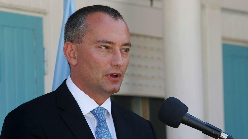 Nikolay Mladenov, coordinador especial de las Naciones Unidas para el proceso de paz en el Oriente Medio durante una conferencia de prensa en la ciudad de Gaza, 17 de septiembre de 2015. (AP / Adel Hana)