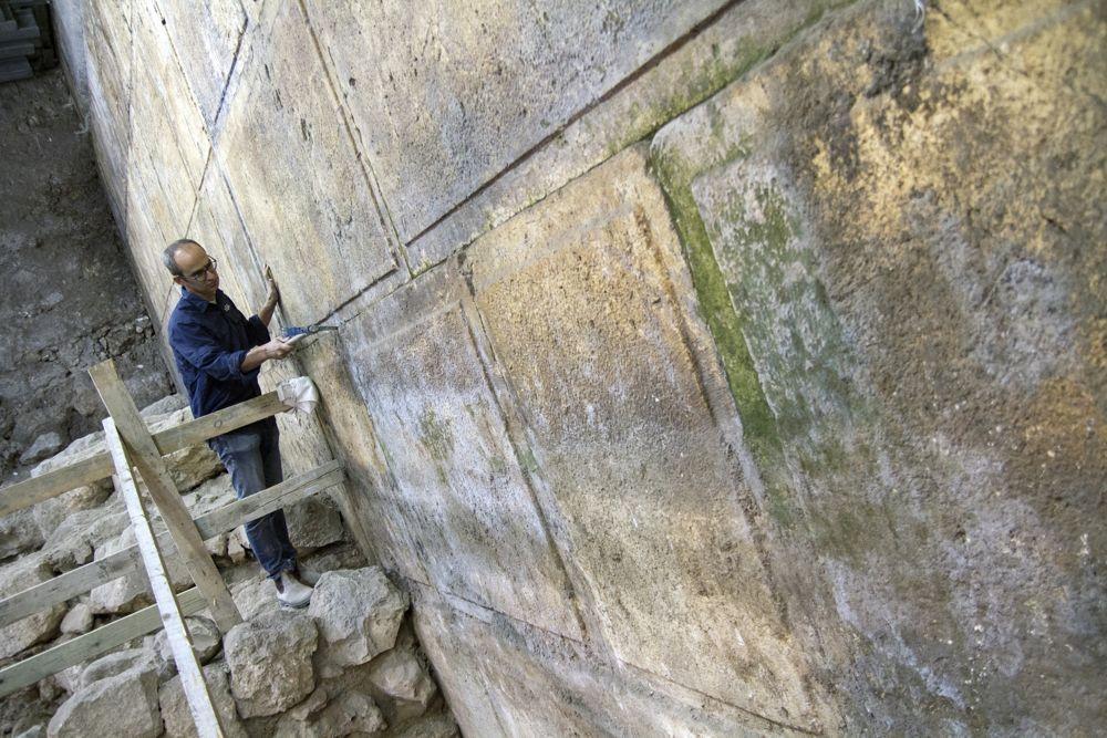 Ocho cursos del Muro Occidental fueron descubiertos en la excavación. (Yaniv Berman, cortesía de la Autoridad de Antigüedades de Israel)