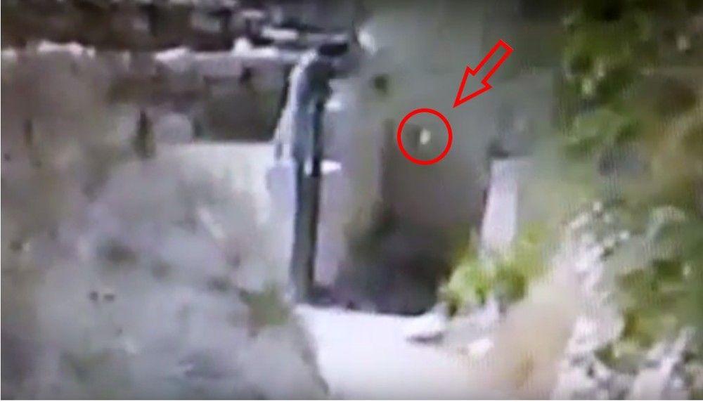Terrorista árabe lanza una roca a un niño judío en la cabeza