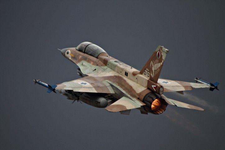 Ilustración: Un avión F-16 de la Fuerza Aérea de Israel despega, 28 de junio de 2010. (Ofer Zidon / Flash90 / File)
