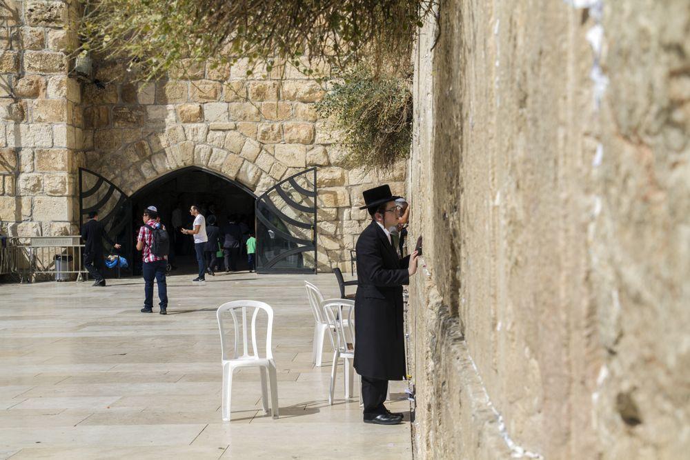 Una vista general del Muro Occidental de Jerusalém y los Túneles del Muro Occidental. (Yaniv Berman, cortesía de la Autoridad de Antigüedades de Israel)