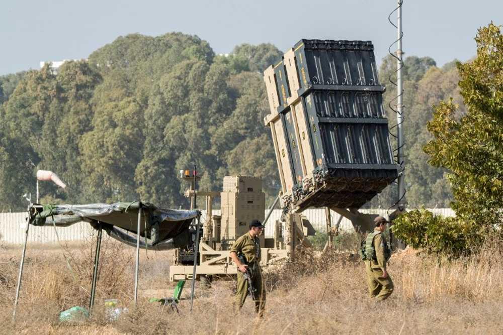 Con amenazas de sur a norte, Israel busca la calma mientras se prepara para lo peor