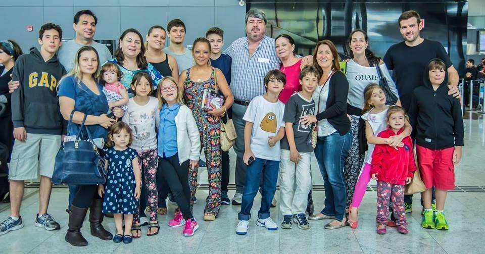 Inmigrantes de Brasil llegan a Israel a bordo de un vuelo organizado por la Agencia Judía para Israel (André Jerusalmy / cortesía)