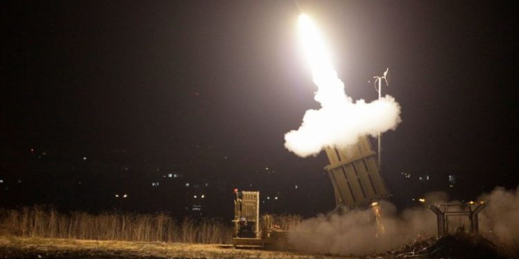 Sistema de misiles Cúpula de Hierro mejorado pasa la prueba