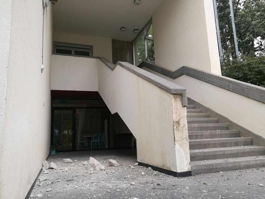 El edificio dañado (Foto: Shai Makhluf)