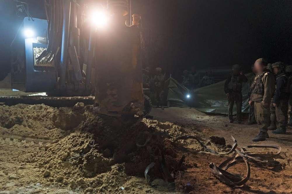 Las tropas israelíes se preparan para destruir un túnel de ataque de Hamas que entró en el territorio israelí, el 9 de diciembre de 2017. (Fuerzas de Defensa de Israel)