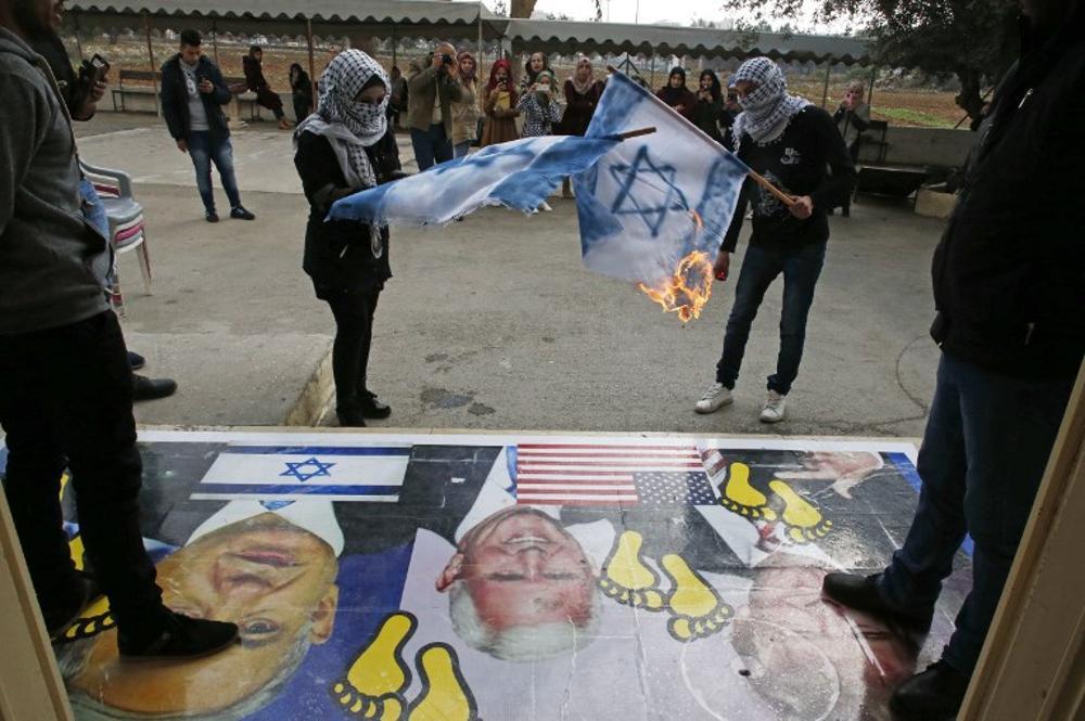 Fatah llama a la furia durante la visita de Pence a Jerusalém