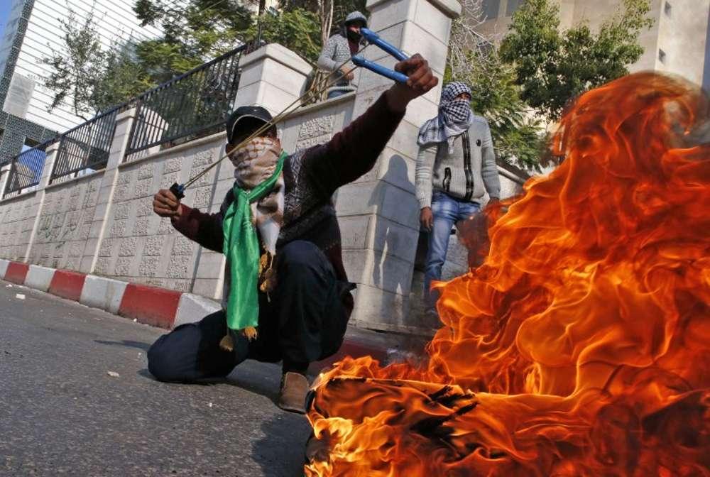 Miles de árabes llenan las calles de violencia en 30 puntos de Israel