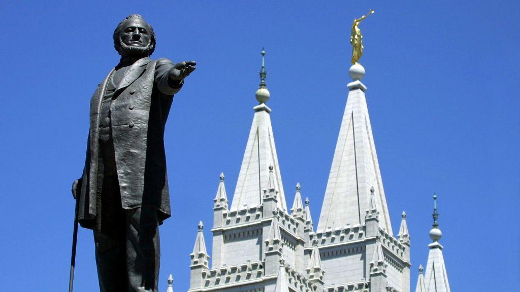Una estatua de Brigham Young en el templo mormón en Salt Lake City, Utah. (George Frey / AFP / Getty Images / vía JTA)