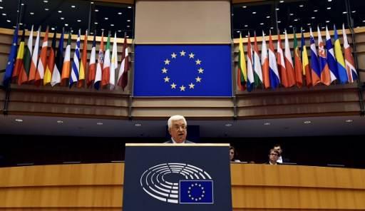 El presidente de la Autoridad Palestina Mahmoud Abbas pronuncia un discurso en el Parlamento de la Unión Europea en Bruselas el 23 de junio de 2016. (AFP PHOTO / JOHN THYS)