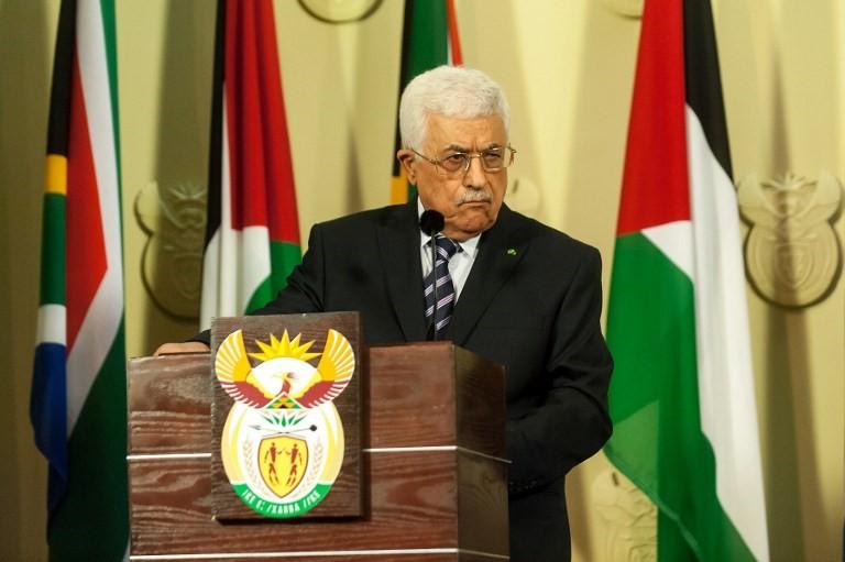 El líder de la Autoridad Palestina Mahmoud Abbas da una conferencia de prensa luego de su reunión con el presidente sudafricano, el 26 de noviembre de 2014, en Pretoria, como parte de su primera visita oficial a Sudáfrica.(crédito de la foto: AFP PHOTO / STEFAN HEUNIS)