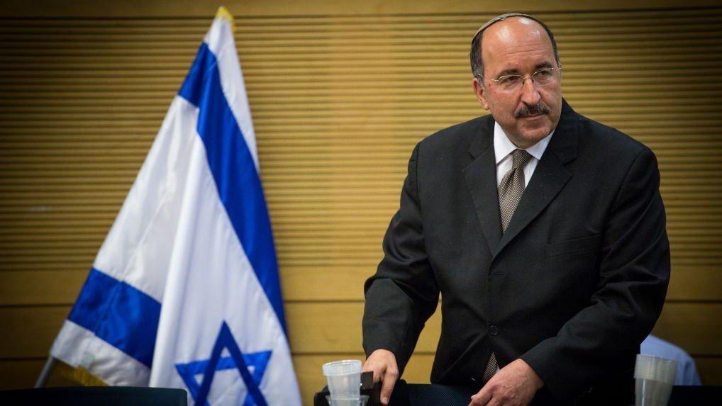 El ex director general del Ministerio de Asuntos Exteriores Dore Gold en una reunión del comité del Knesset en Jerusalém, el 25 de julio de 2016. (Yonatan Sindel / Flash 90)