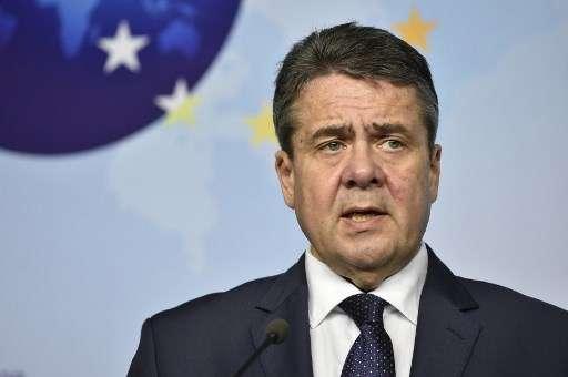 El Ministro de Asuntos Exteriores alemán, Sigmar Gabriel, participa en una conferencia de prensa en la sede de la UE en Bruselas el 11 de enero de 2018. (AFP PHOTO / JOHN THYS)