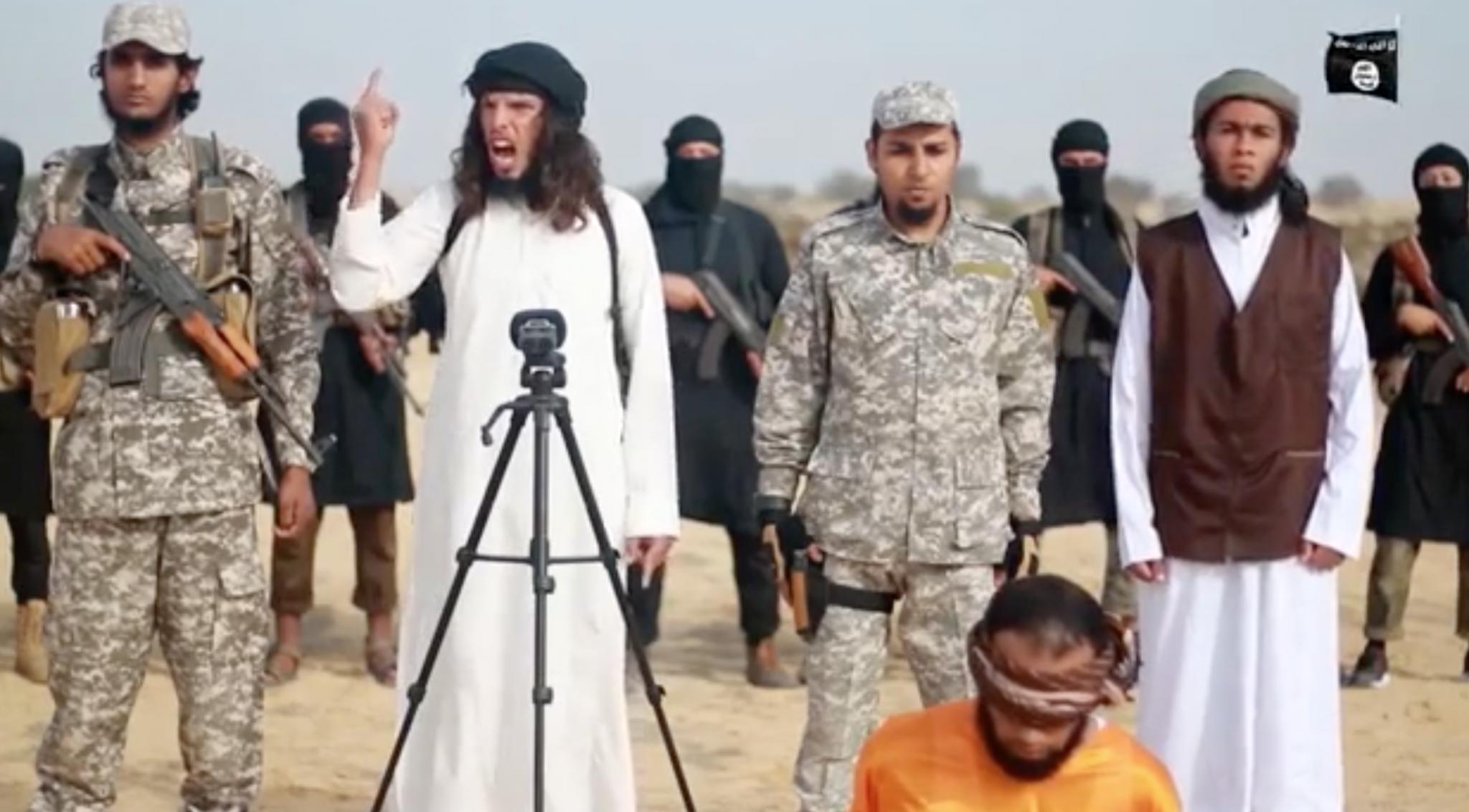 El estado islámico en Sinaí declara la guerra contra Hamas en espantoso vídeo de ejecución