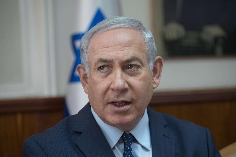 El primer ministro Benjamin Netanyahu dirige la reunión semanal del gabinete en la Oficina del Primer Ministro en Jerusalém el 7 de enero de 2018. (Ohad Zwigenberg / Pool)