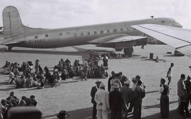 Ilustrativo: Judíos de Aden a la espera de ser evacuados a Israel el 1 de noviembre de 1949. (GPO / dominio público)