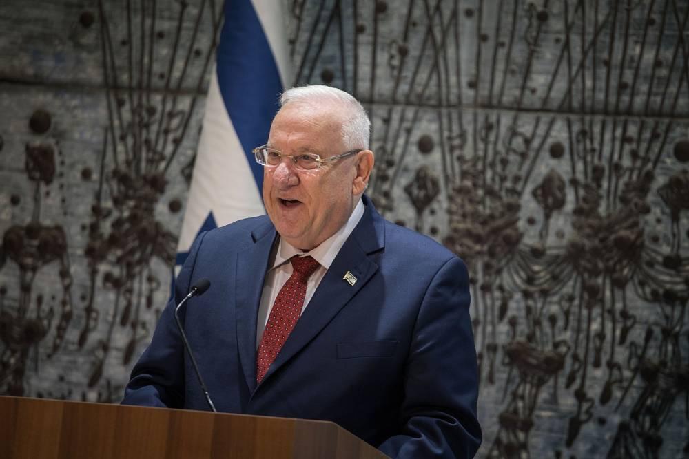 """Rivlin critica a Abbas por propagar """"terribles conspiraciones antijudías"""""""