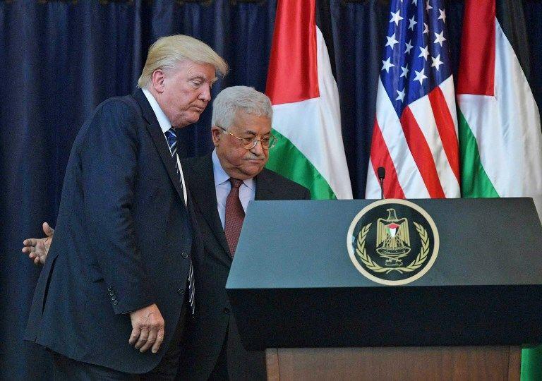 El presidente de los Estados Unidos, Donald Trump (izq.) Y el presidente de la AP, Mahmoud Abbas, se van después de una conferencia de prensa conjunta en el palacio presidencial en la ciudad de Belén el 23 de mayo de 2017. (AFP / Mandel Ngan)