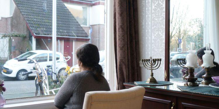 Abuela judía sentenciada a muerte en Irán; Holanda no le concede asilo