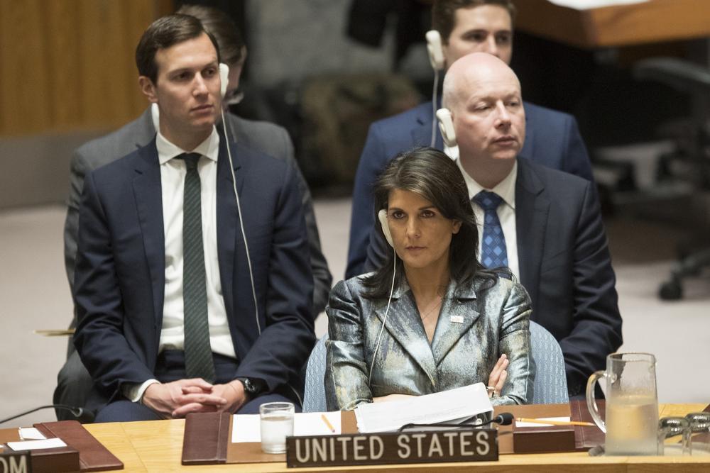 Haley a Abbas: EE.UU. quiere un acuerdo de paz, pero estaremos detrás de ustedes