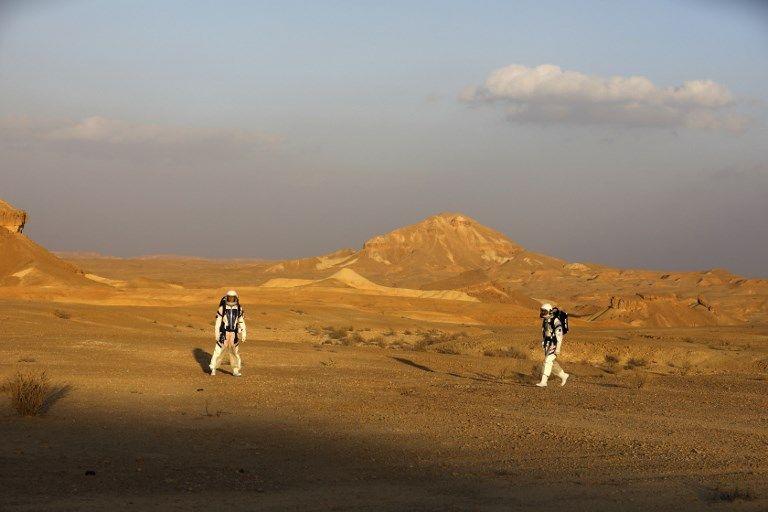 Los astronautas análogos israelíes en su misión en el Proyecto D-MARS el 18 de febrero de 2018. (AFP / MENAHEM KAHANA)