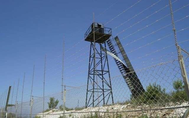 Un puesto de observación de Hezbollah en la frontera israelí-libanesa, según la IDF.Foto lanzada el 22 de junio de 2017. (Unidad del Portavoz de las FDI)