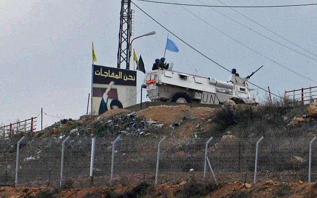 Una patrulla de la FPNUL cerca de la frontera israelí-libanesa.(Hamad Almakt / Flash 90)