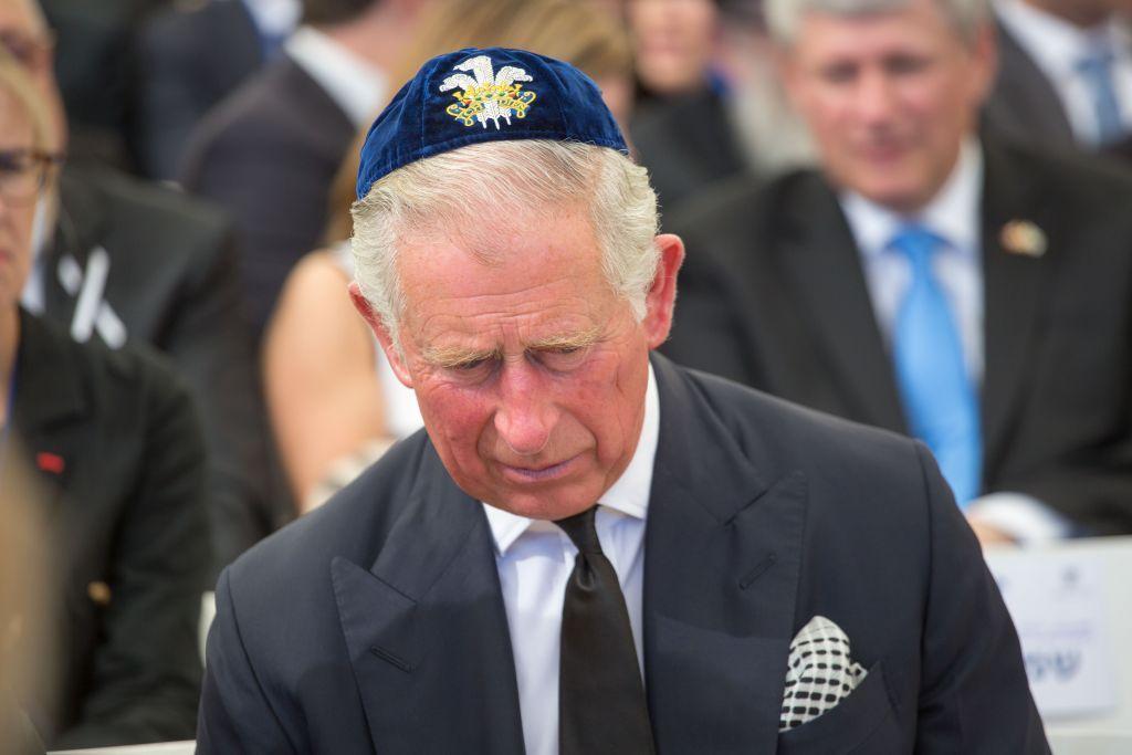 El príncipe Carlos fue visto durante el funeral del fallecido ex presidente Shimon Peres en el Monte Herzl, en Jerusalem, el 30 de septiembre de 2016. (Emil Salman / Pool)