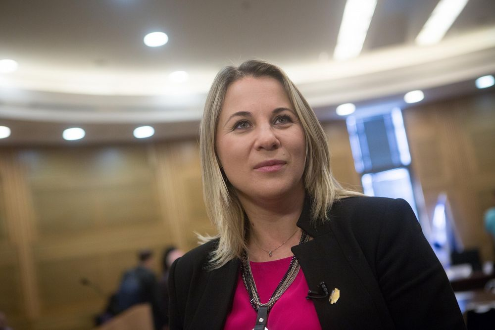 Ksenia Svetlova, de la Unión Sionista, durante un día de presentación para los nuevos miembros de la Knéset el 29 de marzo de 2015. (Miriam Alster / Flash90)