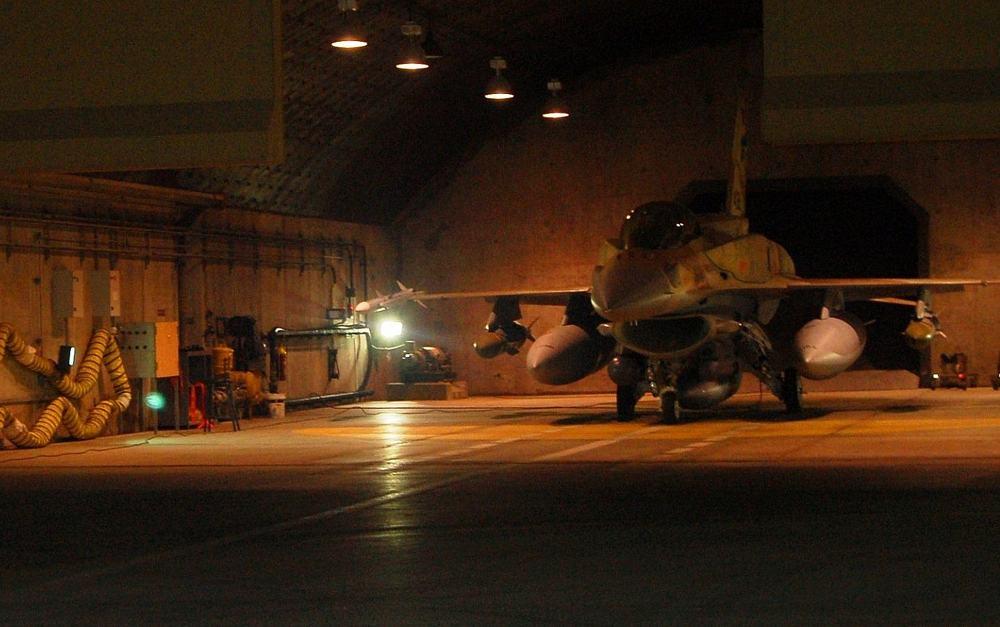 Un avión de combate F-16I del 253er Escuadrón de la Fuerza Aérea Israelí se prepara para despegar durante una operación para bombardear un reactor nuclear sirio en Deir Ezzor el 5 de septiembre de 2007. (Fuerzas de Defensa de Israel)