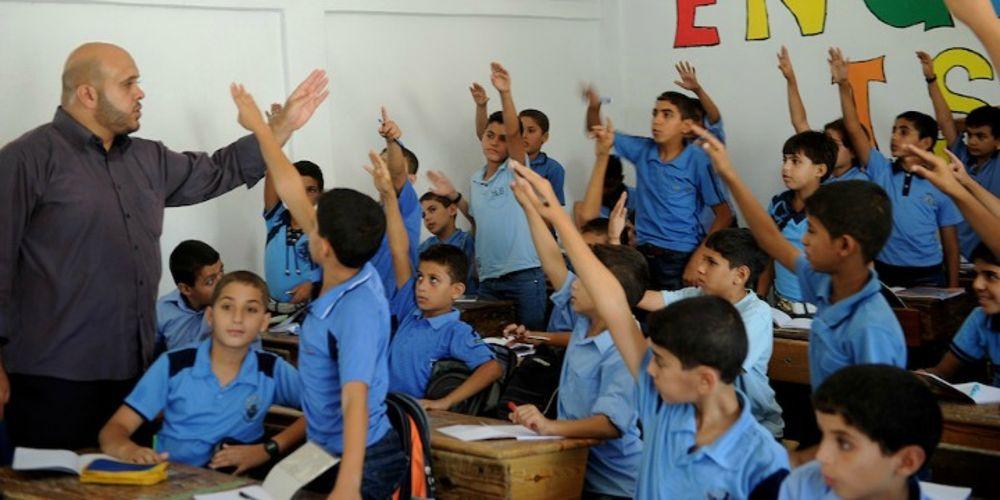 Los libros escolares de UNRWA contienen incitación al terrorismo