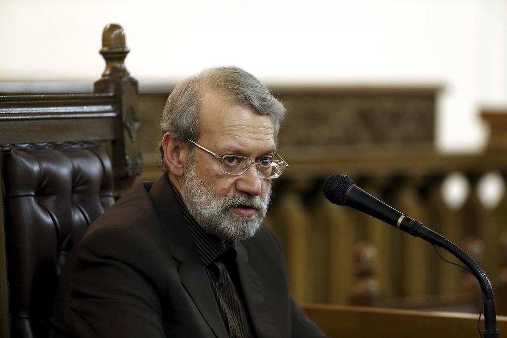 El presidente del parlamento iraní, Ali Larijani, habla durante una conferencia de prensa en Teherán, Irán, el 13 de marzo de 2017. (AP Photo / Ebrahim Noroozi)