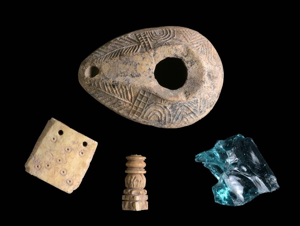 Artefactos descubierto en las excavaciones del Sendero Sanhedrin.(Clara Amit, Autoridad de Antigüedades de Israel)