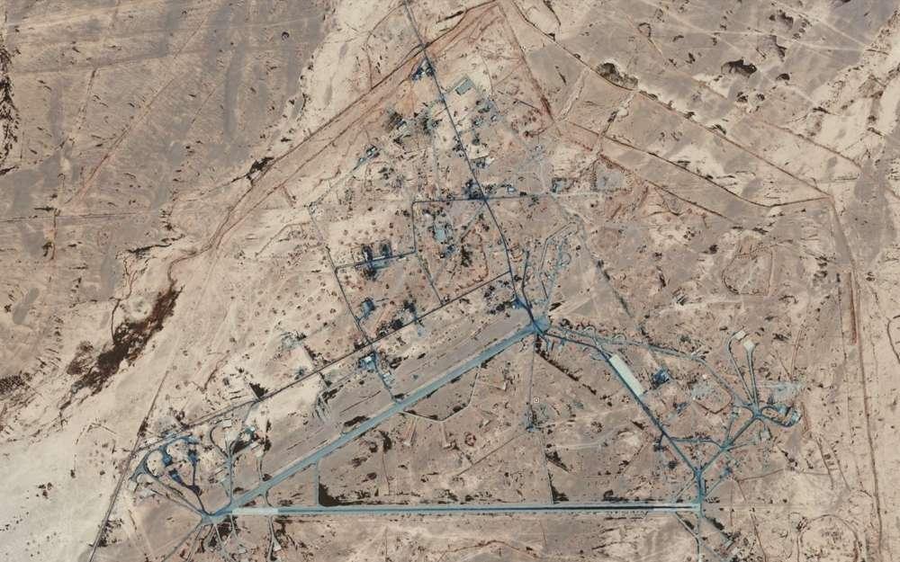 La base aérea Sayqal de Siria, ubicada al este de Damasco, que Israel cree que está parcialmente bajo control iraní.(Google Earth)