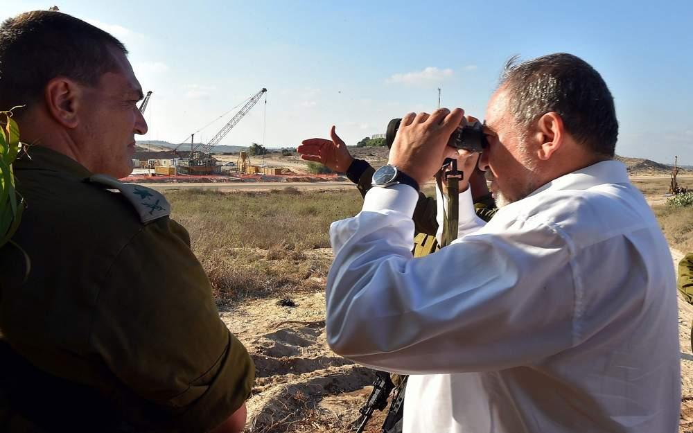 """Mientras Irán amenaza a Israel, Liberman dice """"nunca hemos estado tan listos"""""""