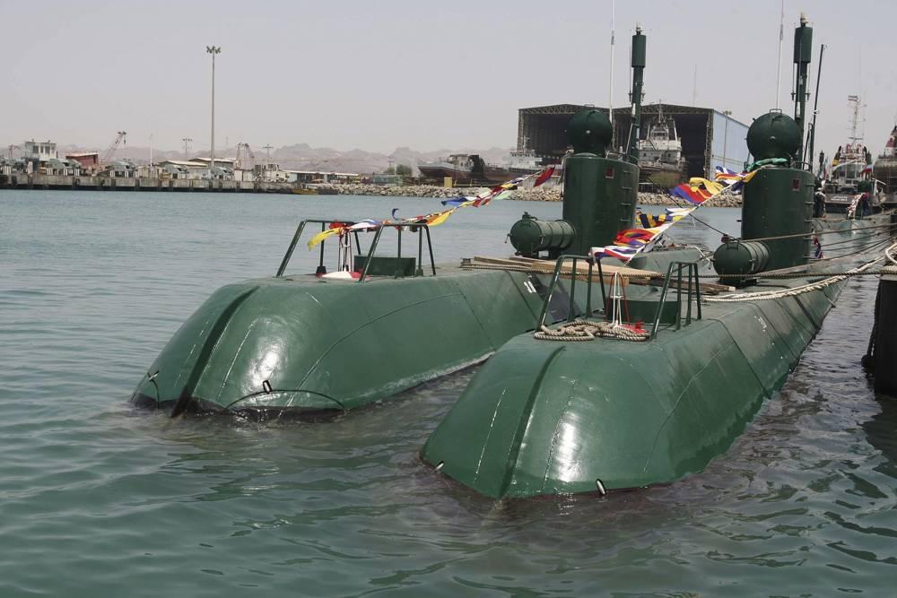Los submarinos Ghadir de Irán en el puerto sureño de Bandar Abbas, en el Golfo Pérsico, Irán, el domingo 8 de agosto de 2010. (Foto AP / Ministerio de Defensa iraní, Vahid Reza Alaei)