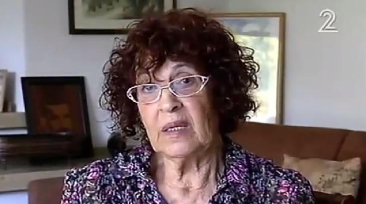 Nadia Cohen, viuda del espía israelí ejecutado Eli Cohen, habla con Channel 2 el 20 de septiembre de 2016. (Captura de pantalla / Canal 2)