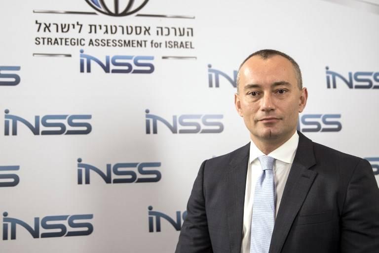 Nickolay Mladenov, coordinador especial de la ONU para el proceso de paz de Medio Oriente, posa para una foto durante la conferencia del INSS en Tel Aviv, el 30 de enero de 2018. (JACK GUEZ / AFP)