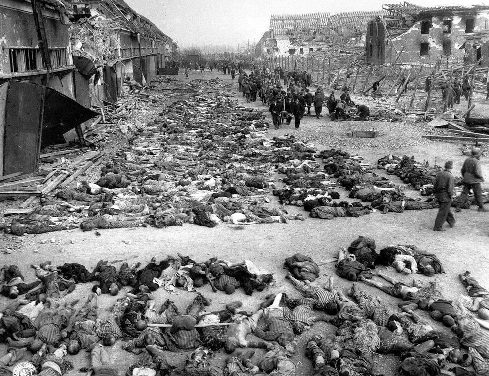Una imagen de las víctimas judías del Holocausto que la televisión palestina adulteró y presentó como una imagen de las víctimas árabes de la masacre de Deir Yassin en 1948 (PMW)