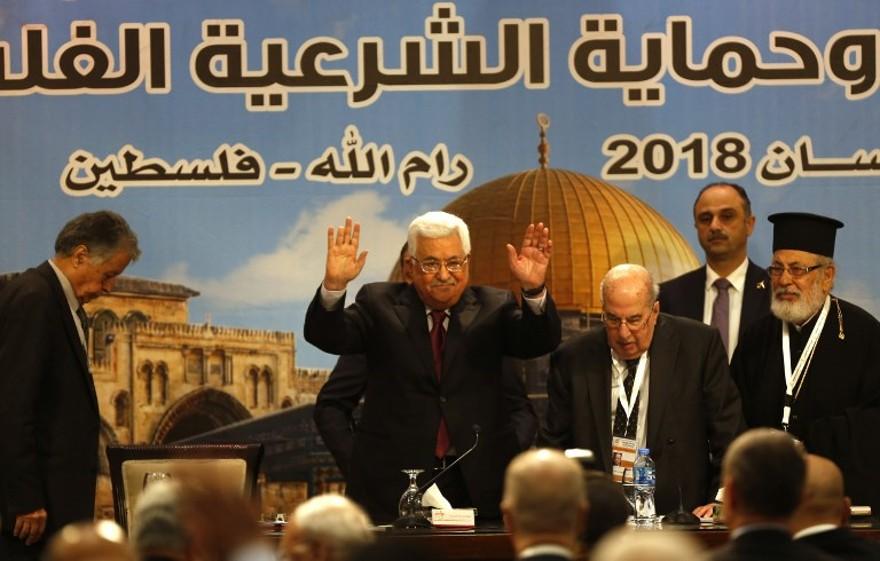 Abbas: comportamiento de los judíos y no el antisemitismo causa del Holocausto